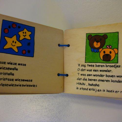 Houten babyboekje